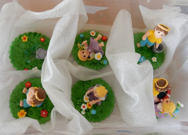 cupcake toppers in box
